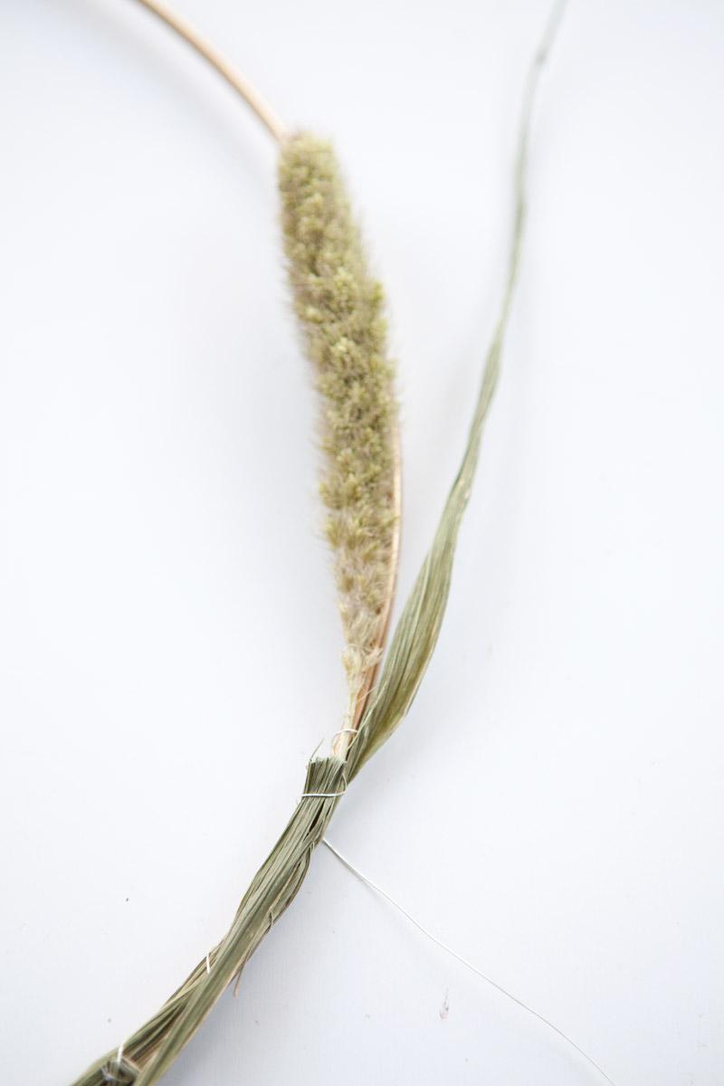 naaldaar droogbloemenkrans