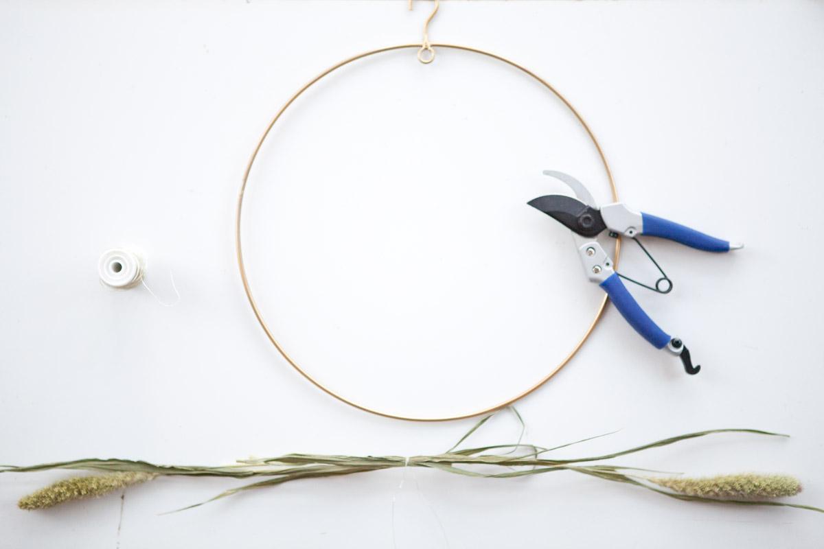 naaldaar voor droogbloemenkrans